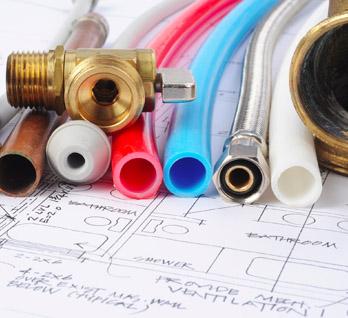 La plomberie est l'un des métiers proposés par Atole : habillage des nourrices, dessous de chaudière, des arrivées de radiateurs et solution pour pieuvre hydraulique.